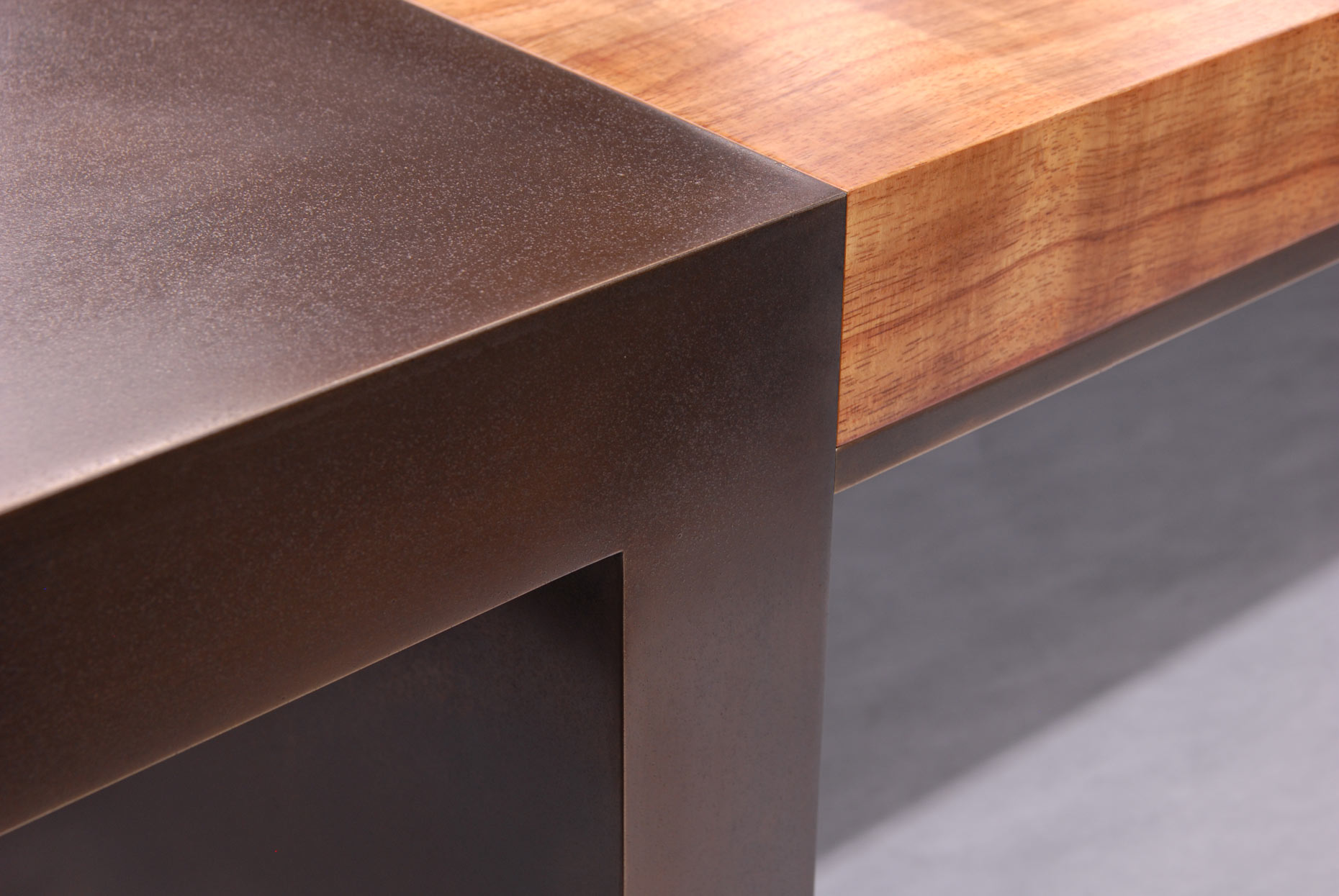 004Mongillo-250-Table-Detail_FIX